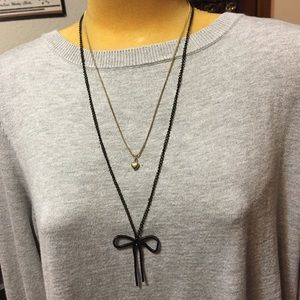 Jewelry - Nice black metal bow & gold tone heart necklace